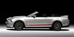 2011 Ford Mustang Reviews / Specs / Pictures / Prices