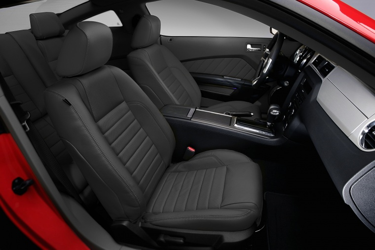 2012 Ford Mustang GT Coupe Front Seats Picture