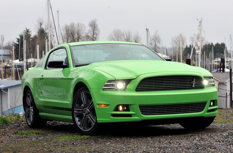 2013 Ford Mustang GT Coupe Picture