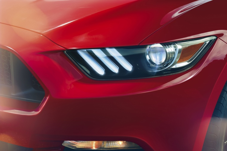2015 Ford Mustang GT Fastback Headlight Picture