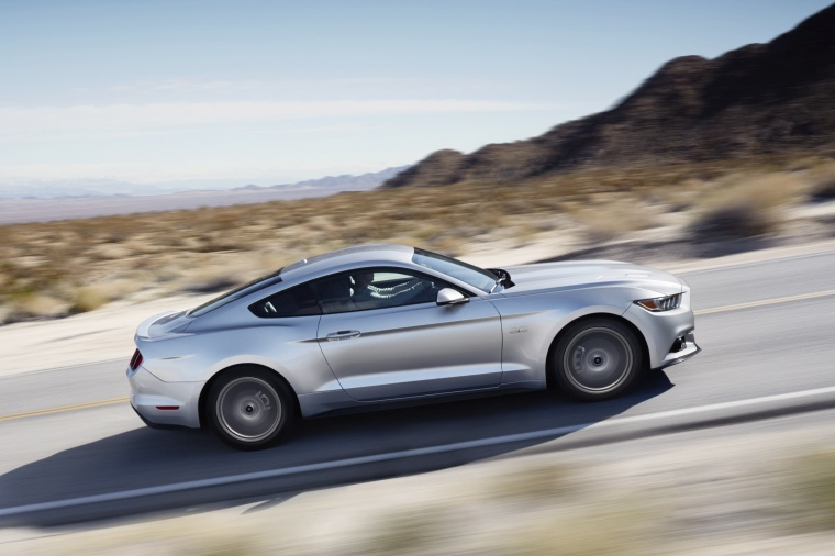 2016 Ford Mustang GT Fastback Picture