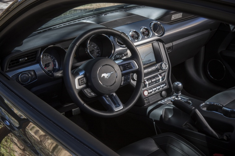 2017 Ford Mustang GT Fastback Cockpit Picture