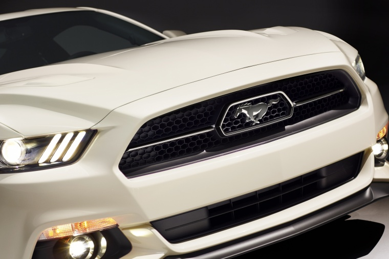 2017 Ford Mustang EcoBoost Fastback Front Fascia Picture
