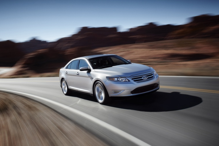 2012 Ford Taurus SHO Picture