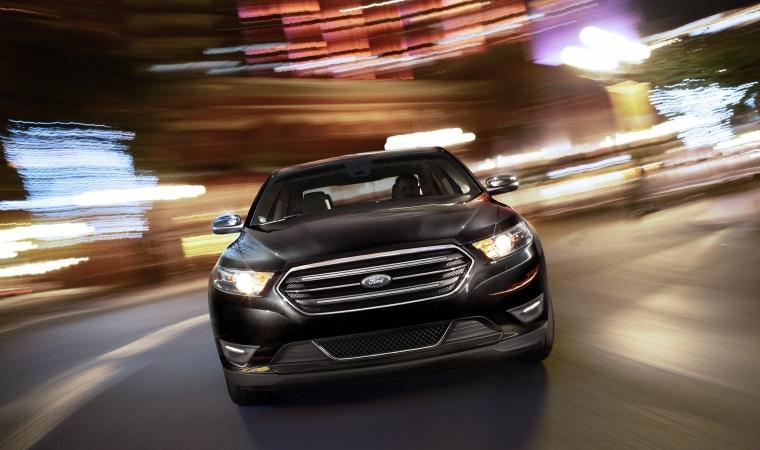 2017 Ford Taurus Sedan Limited Picture
