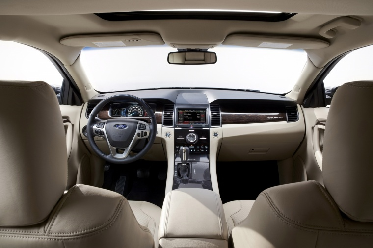 2017 Ford Taurus Sedan Limited Interior Picture