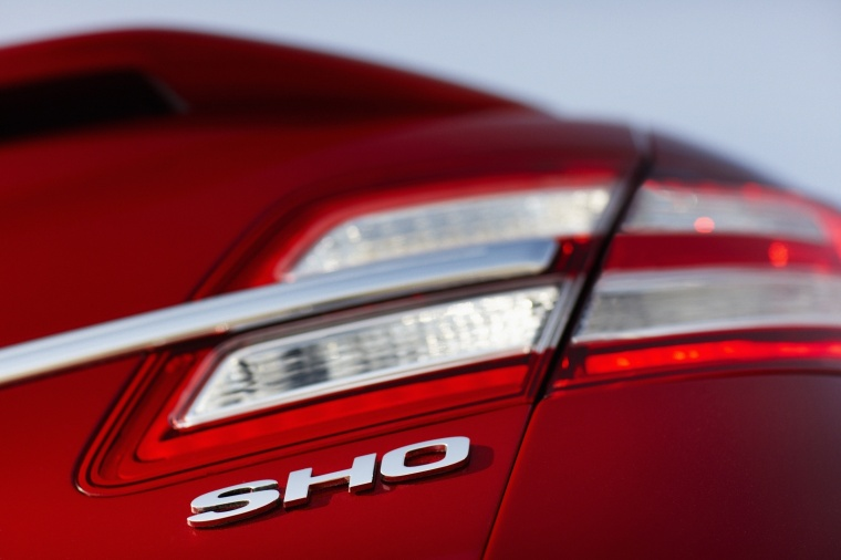 2018 Ford Taurus SHO Sedan Tail Light Picture