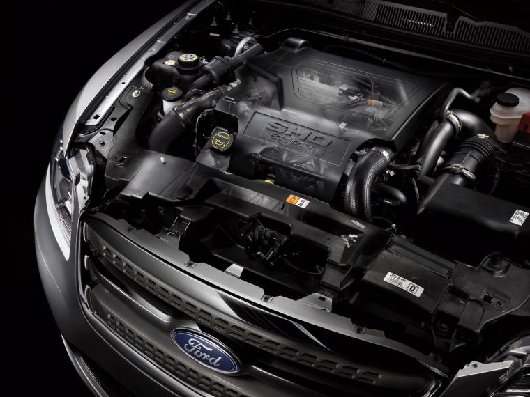 2018 Ford Taurus SHO Sedan 3.5-liter V6 EcoBoost Engine Picture