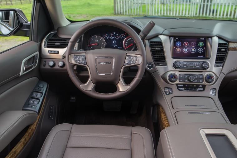 2018 GMC Yukon Denali Cockpit Picture