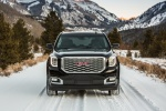 Picture of a 2018 GMC Yukon Denali in Onyx Black from a frontal perspective