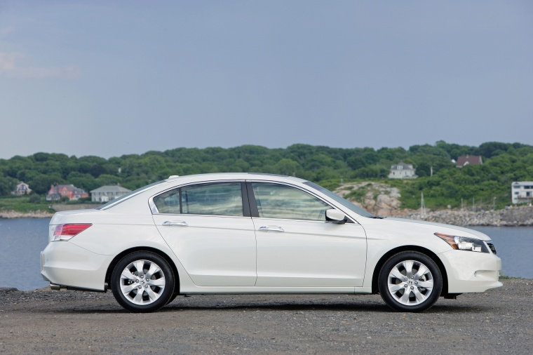 2010 honda accord sedan v6 in white diamond pearl color. Black Bedroom Furniture Sets. Home Design Ideas