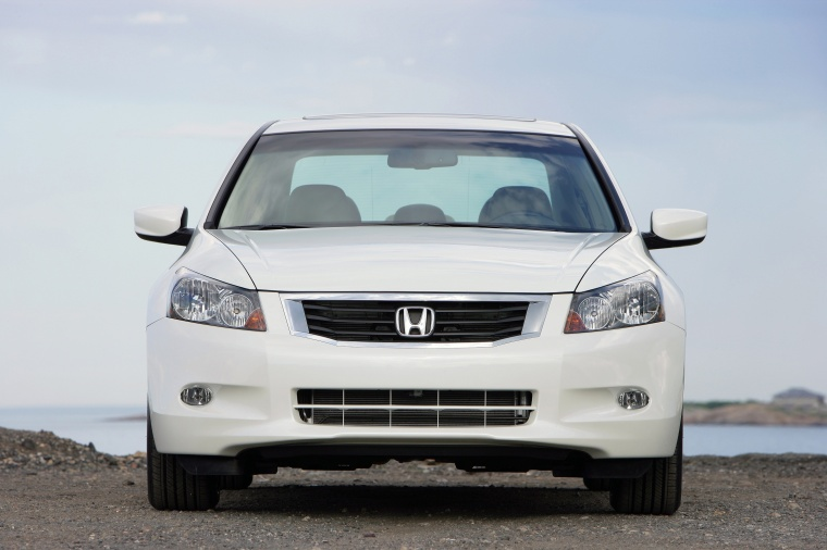 2010 Honda Accord Sedan V6 in White Diamond Pearl from a frontal view