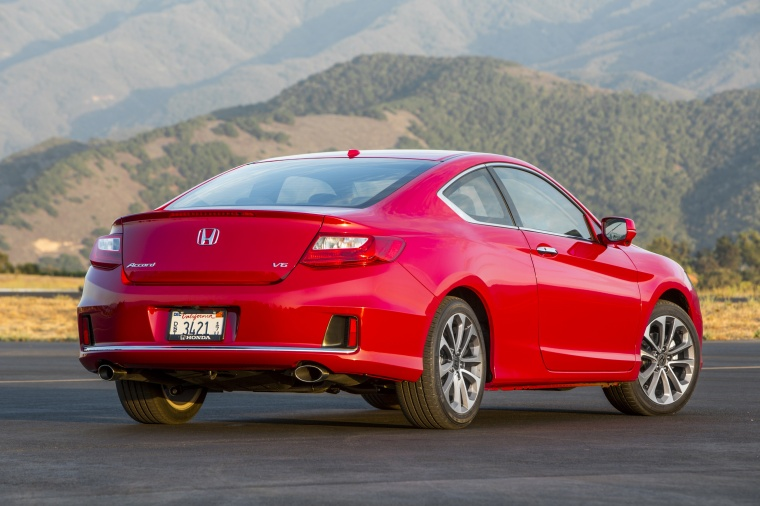 2013 honda accord coupe ex l v6 in san marino red color static rear right view picture image. Black Bedroom Furniture Sets. Home Design Ideas