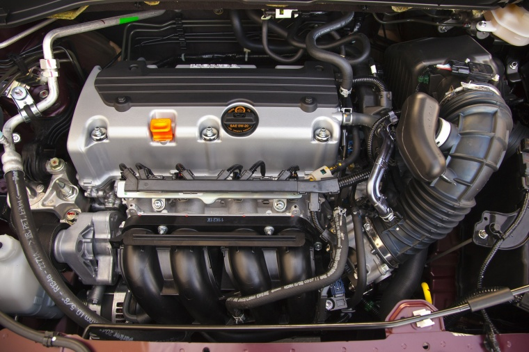 Picture of a 2014 Honda CR-V's 2.4-liter 4-cylinder Engine