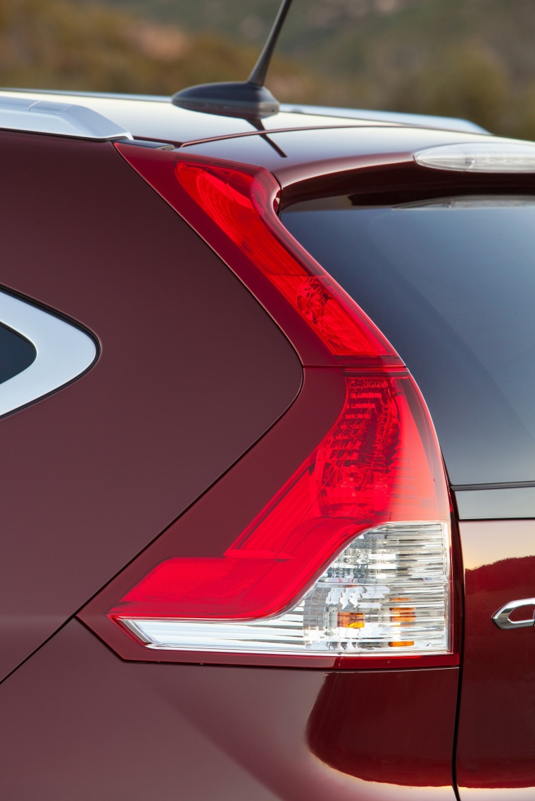 Picture of a 2014 Honda CR-V EX-L AWD's Tail Light