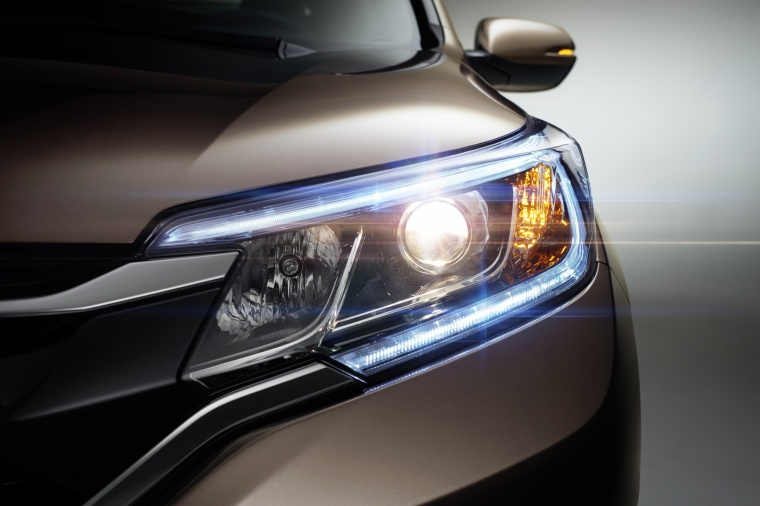2015 Honda CR-V Touring Headlight Picture