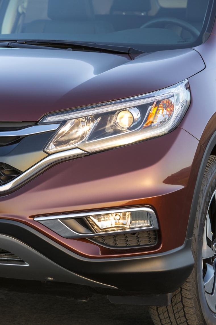 2016 Honda CR-V Touring AWD Headlight Picture