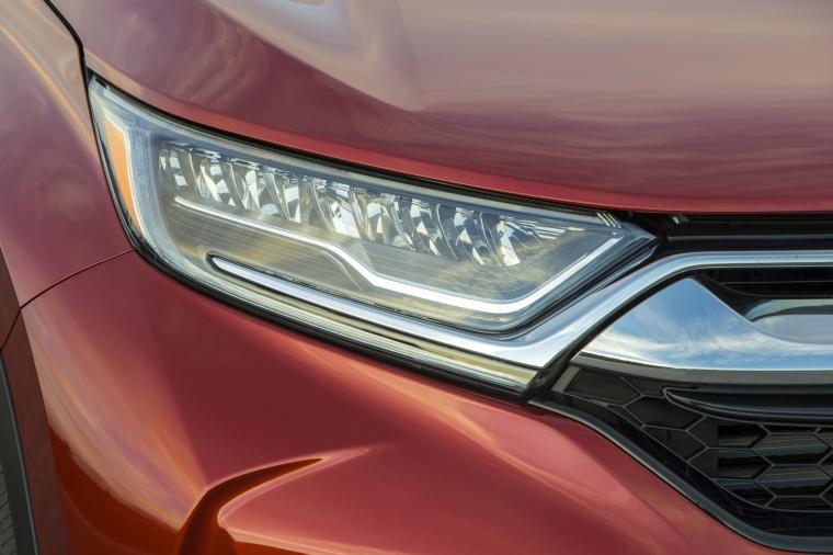 2018 Honda CR-V Touring AWD Headlight Picture