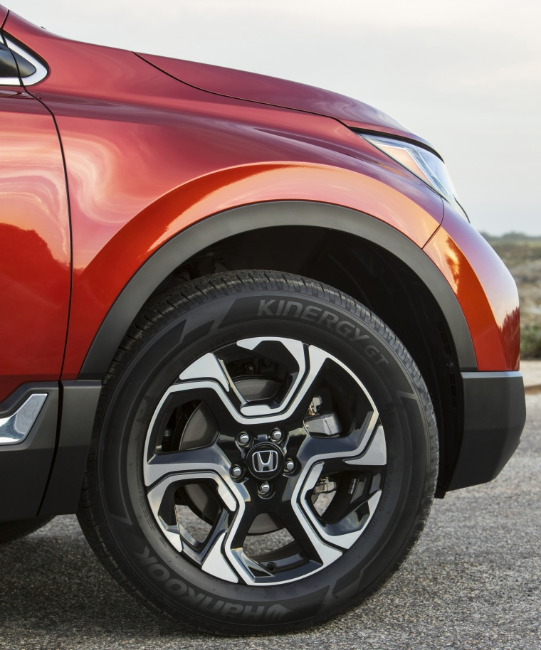 2018 Honda CR-V Touring AWD Rim Picture