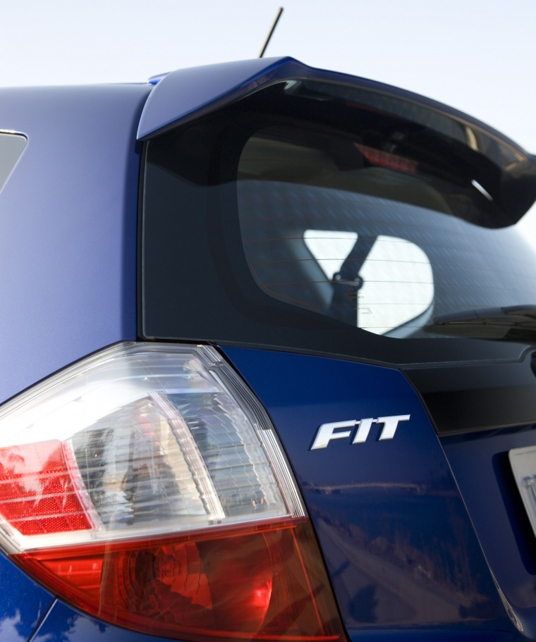 2011 Honda Fit Sport Rear Spoiler Picture
