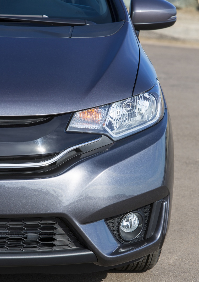 2017 Honda Fit Headlight Picture