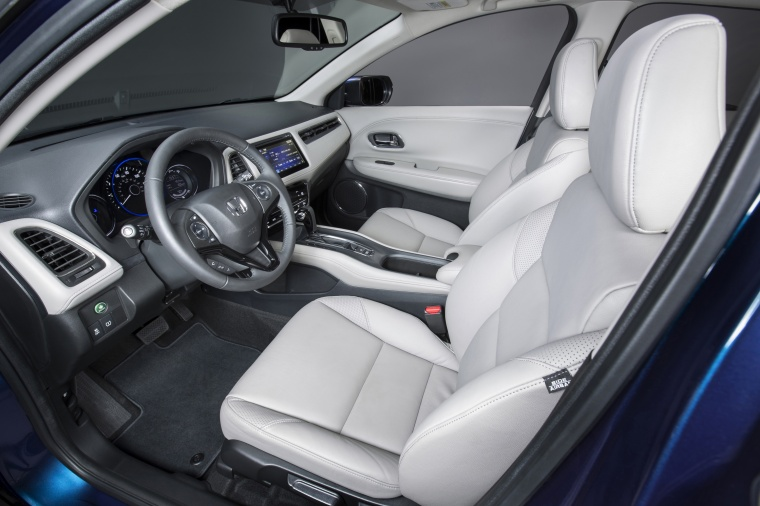 2017 Honda HR-V Front Seats Picture