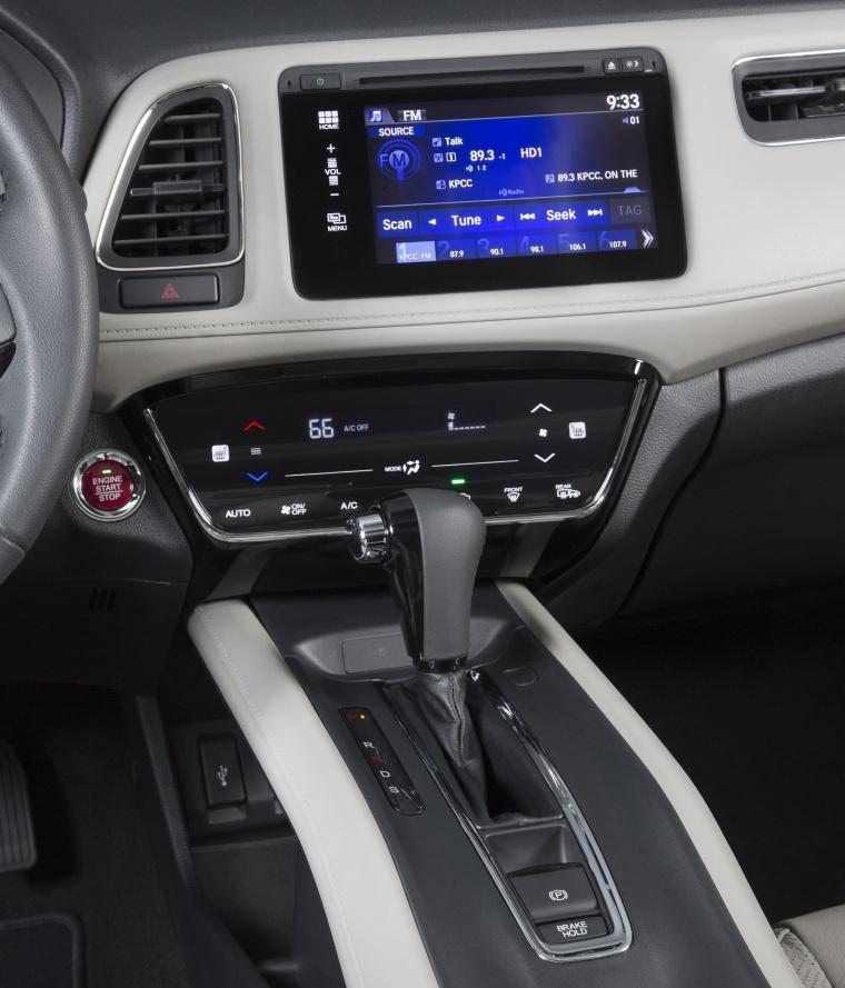 2017 Honda HR-V Center Stack Picture