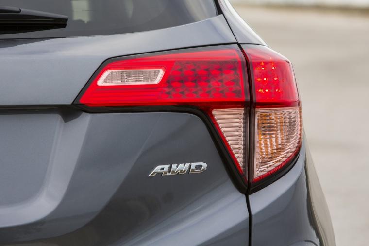 2017 Honda HR-V AWD Tail Light Picture