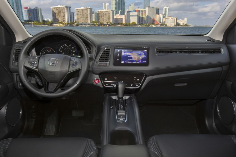 2017 Honda HR-V AWD Cockpit Picture