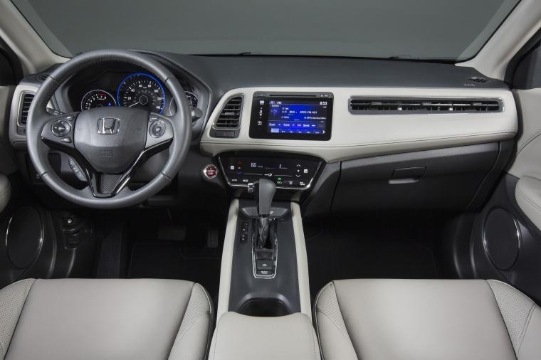 2018 Honda HR-V Cockpit Picture