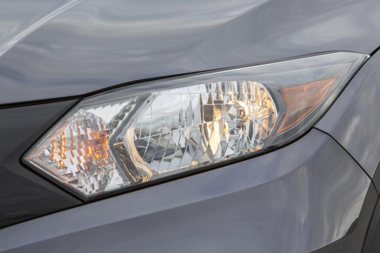 2018 Honda HR-V AWD Headlight Picture
