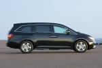 2011 Honda Odyssey Touring in Crystal Black Pearl - Static Right Side View