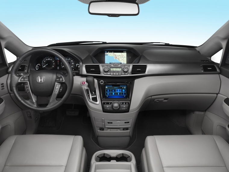 2016 Honda Odyssey Touring Elite Cockpit Picture