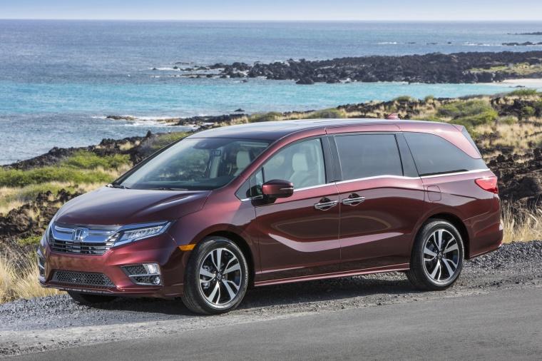 2018 Honda Odyssey Elite Picture