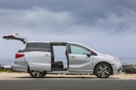2018 Honda Odyssey Elite in Lunar Silver Metallic - Static Right Side View
