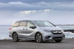 2018 Honda Odyssey Elite in Lunar Silver Metallic - Static Front Right Three-quarter View