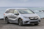 2018 Honda Odyssey Elite in Lunar Silver Metallic - Static Front Right View