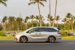 2018 Honda Odyssey Elite in Lunar Silver Metallic - Static Side View