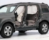 2010 Honda Pilot IIHS Side Impact Crash Test Picture
