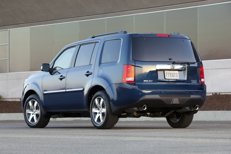 2013 Honda Pilot Touring In Obsidian Blue Pearl Color
