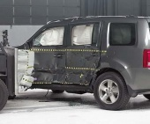 2013 Honda Pilot IIHS Side Impact Crash Test Picture