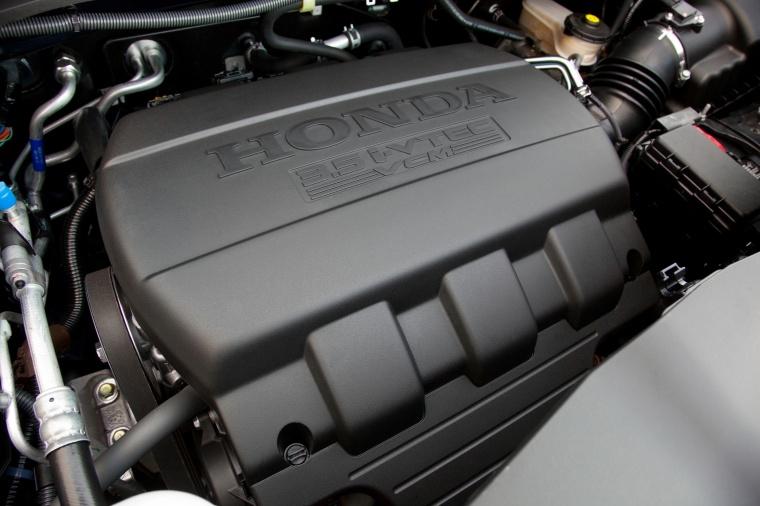2015 Honda Pilot 3.5-liter V6 Engine Picture