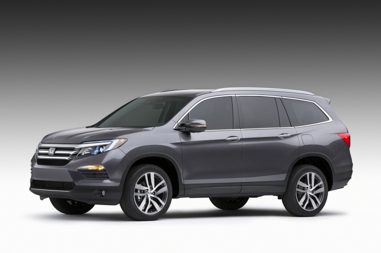 2016 Honda Pilot in Modern Steel Metallic from a front left three-quarter view
