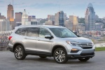 Picture of a 2016 Honda Pilot AWD in Lunar Silver Metallic from a front right three-quarter perspective