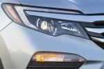 Picture of a 2016 Honda Pilot AWD's Headlight
