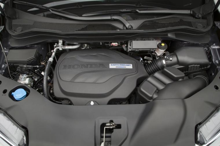 2017 Honda Pilot 3.5-liter V6 Engine Picture