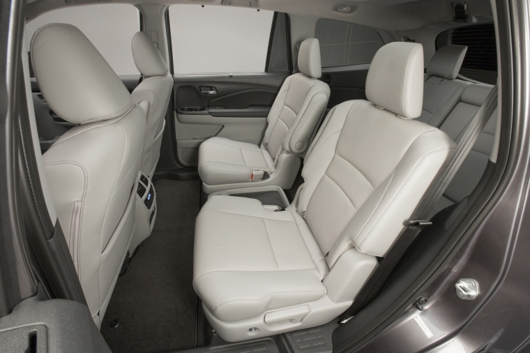 2017 Honda Pilot Rear Seats Picture
