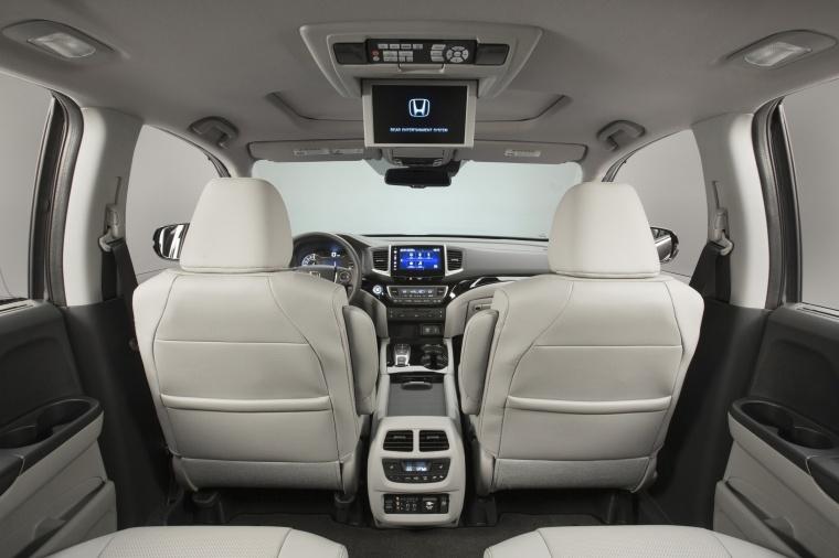 2017 Honda Pilot Interior Picture