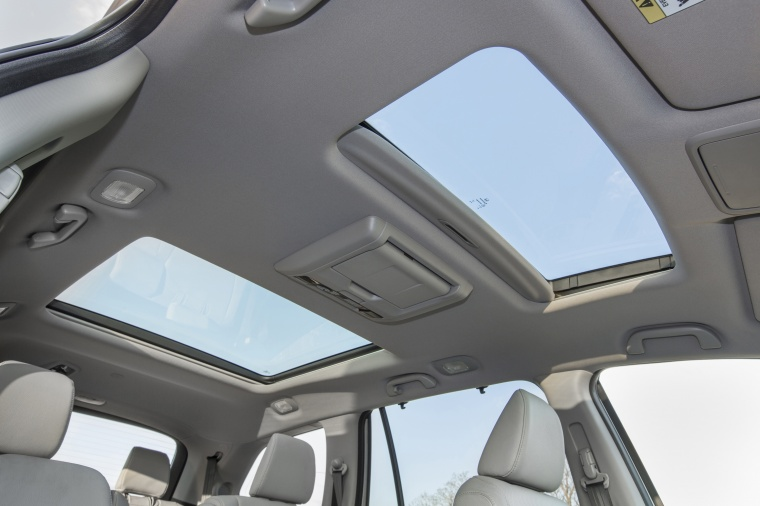 2017 Honda Pilot AWD Sunroof Picture