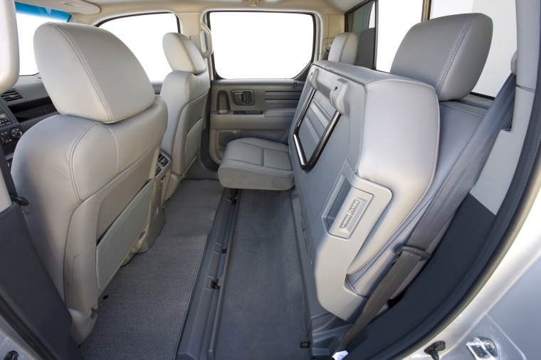 2010 Honda Ridgeline Rear Seats Picture